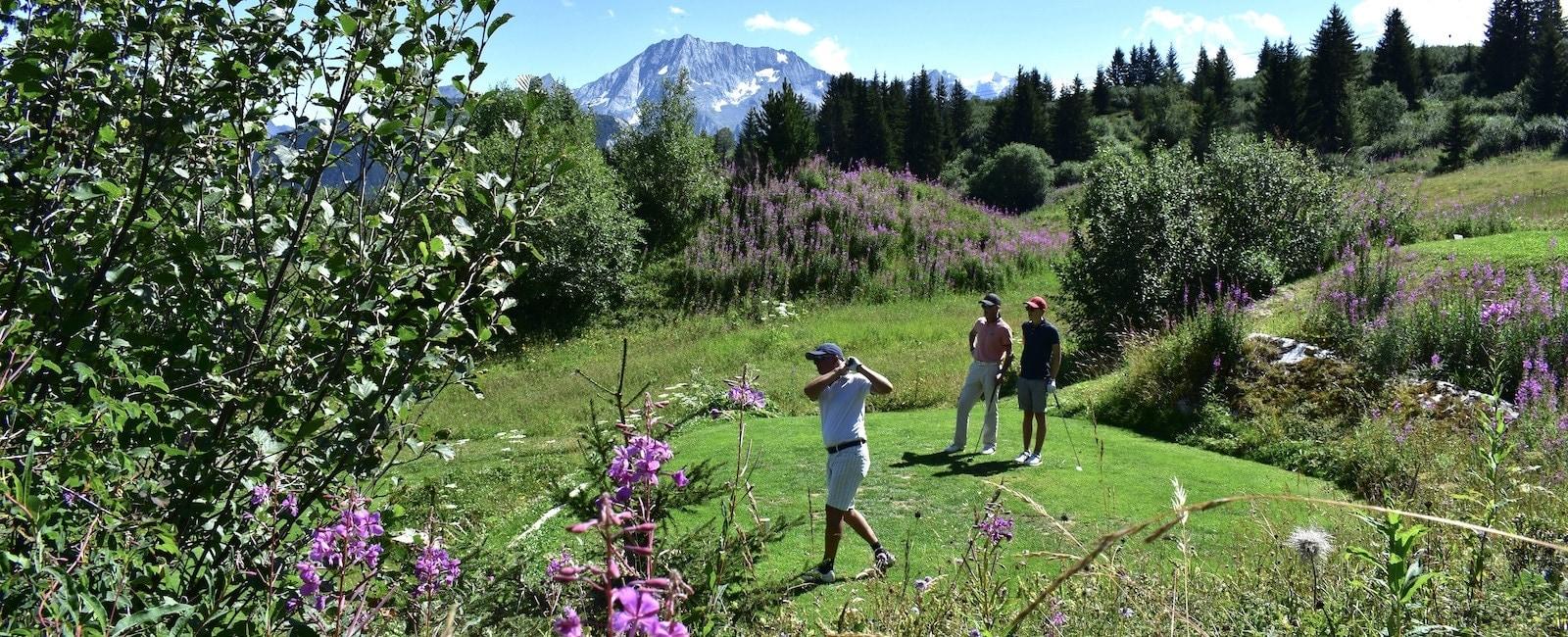 Golf Club de Courchevel | Joueurs sur le départ du 6