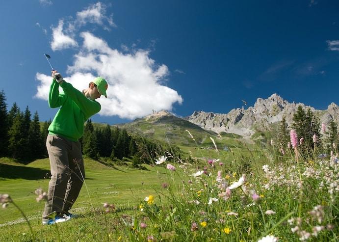 Golf Club de Courchevel | Swing face à la Saulire